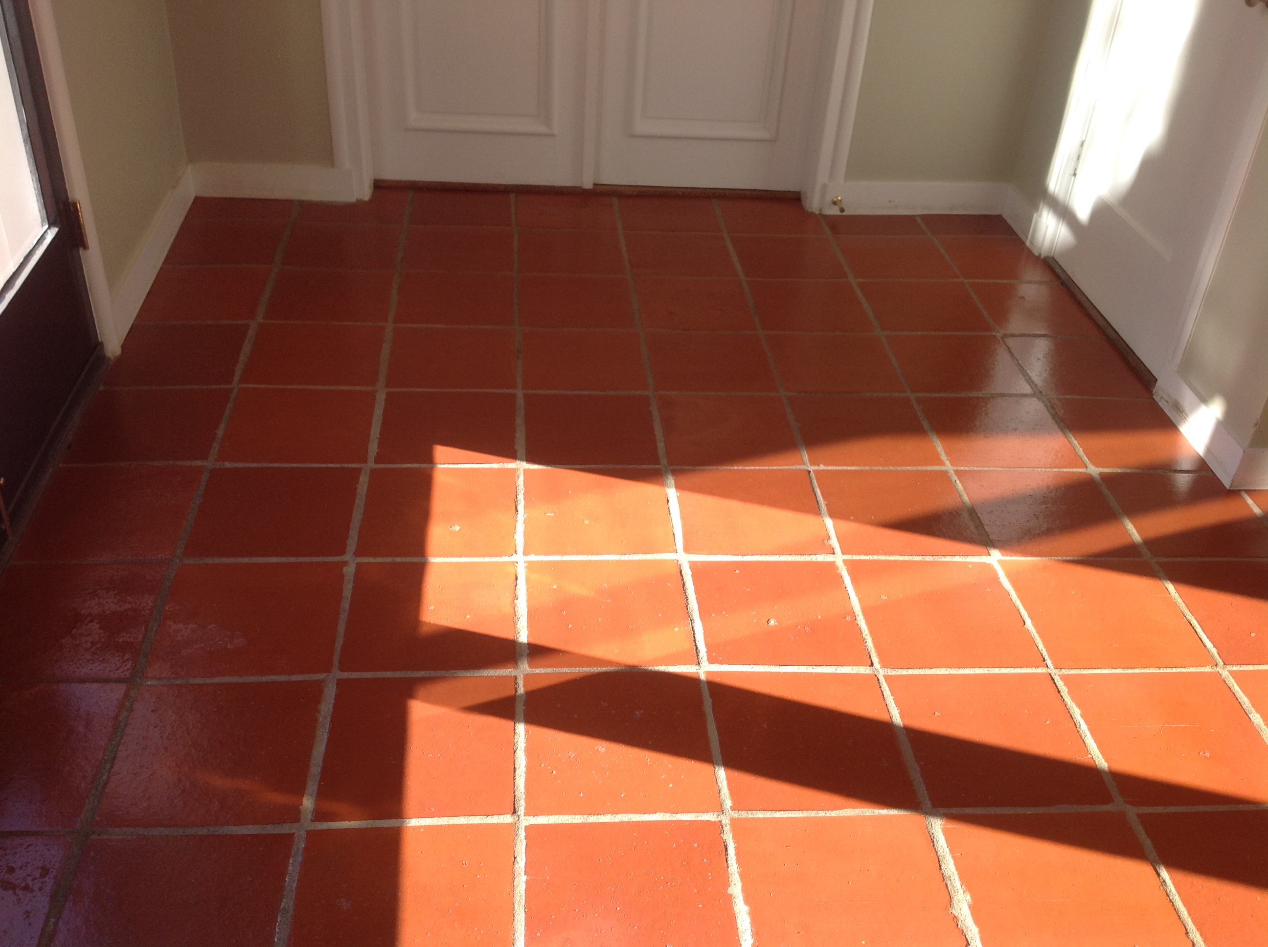 Floor tile wax